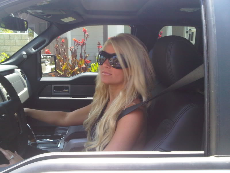 Hot Girls With Ford Svt Raptor Socal Prerunner Socal