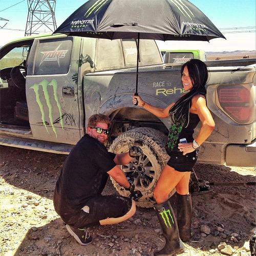 ford-raptor-hot-girls-babes_16