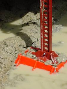 off road jack base in mud
